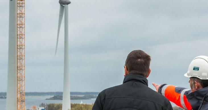 Hoe kunnen ook mensen met weinig geld meedoen aan wind- en zonneprojecten?